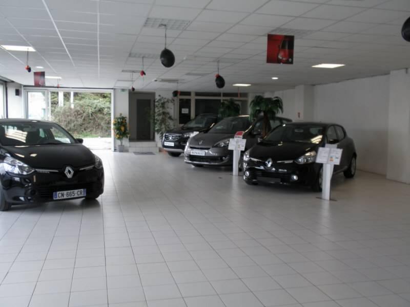 concessionnaire et showroom renault rognac lgv automobiles. Black Bedroom Furniture Sets. Home Design Ideas