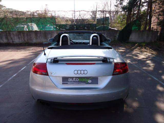 audi tt roadster cabriolet 2 0 voiture d 39 occasion vendre voiture neuve et d 39 occasion de. Black Bedroom Furniture Sets. Home Design Ideas