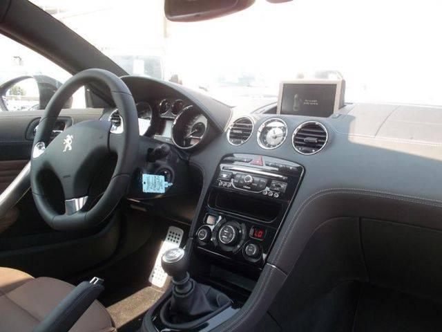 Peugeot rcz d 39 occasion vendre dans le var 83 voiture for Garage mercedes frejus