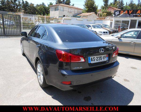 voiture d 39 occasion lexus is vendre sur marseille 220d pack executive voiture neuve et d. Black Bedroom Furniture Sets. Home Design Ideas