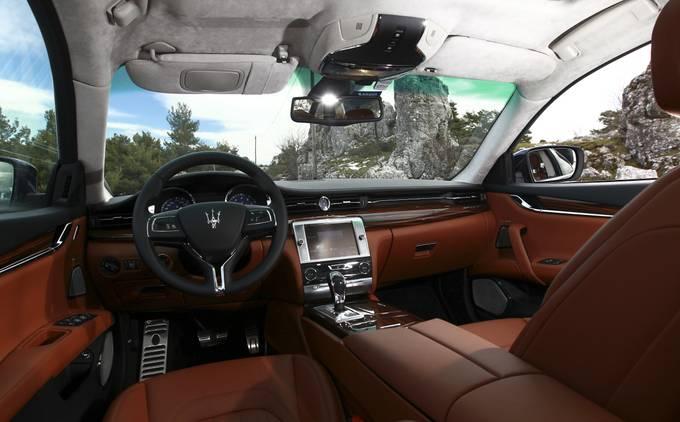 Maserati Quattroporte V8 Bi Turbo 2013n Une Grosse Berline