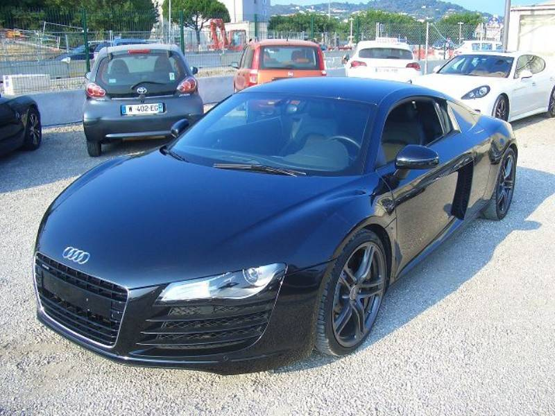 audi r8 d 39 occasion version 4 2 v8 fsi r tronic voiture neuve et d 39 occasion de luxe marseille. Black Bedroom Furniture Sets. Home Design Ideas