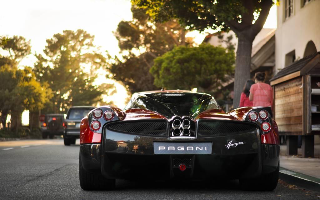 voiture italienne d 39 exception pagani voiture neuve et d 39 occasion de luxe marseille avon. Black Bedroom Furniture Sets. Home Design Ideas