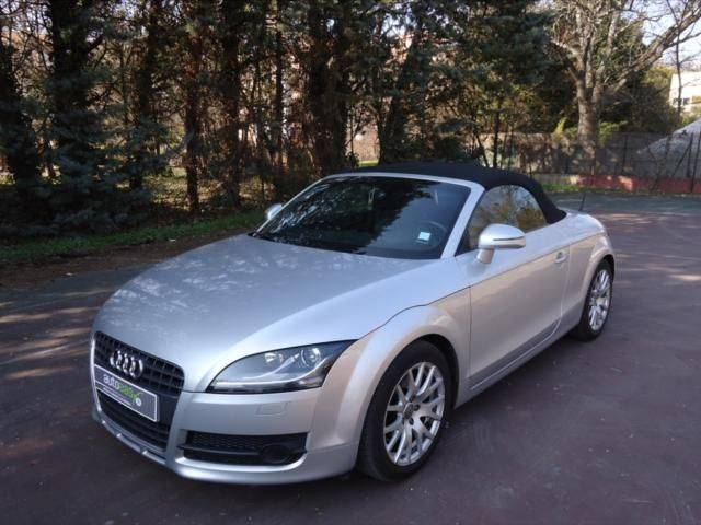 audi tt roadster cabriolet 2 0 voiture d 39 occasion. Black Bedroom Furniture Sets. Home Design Ideas
